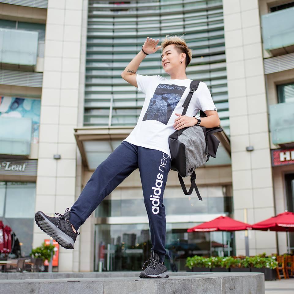 Áo thun nam Adidas cùng quần jogger