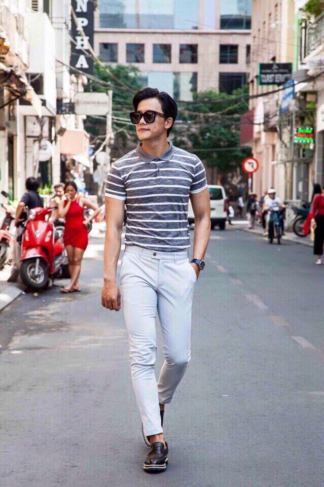 Dạo phố cùng áo polo và quần tây chinos