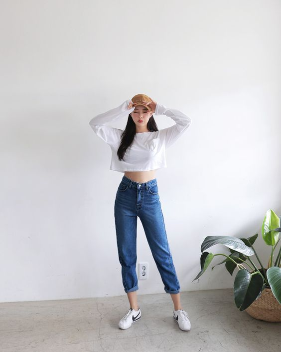 mix and match cùng quần chinos jeans