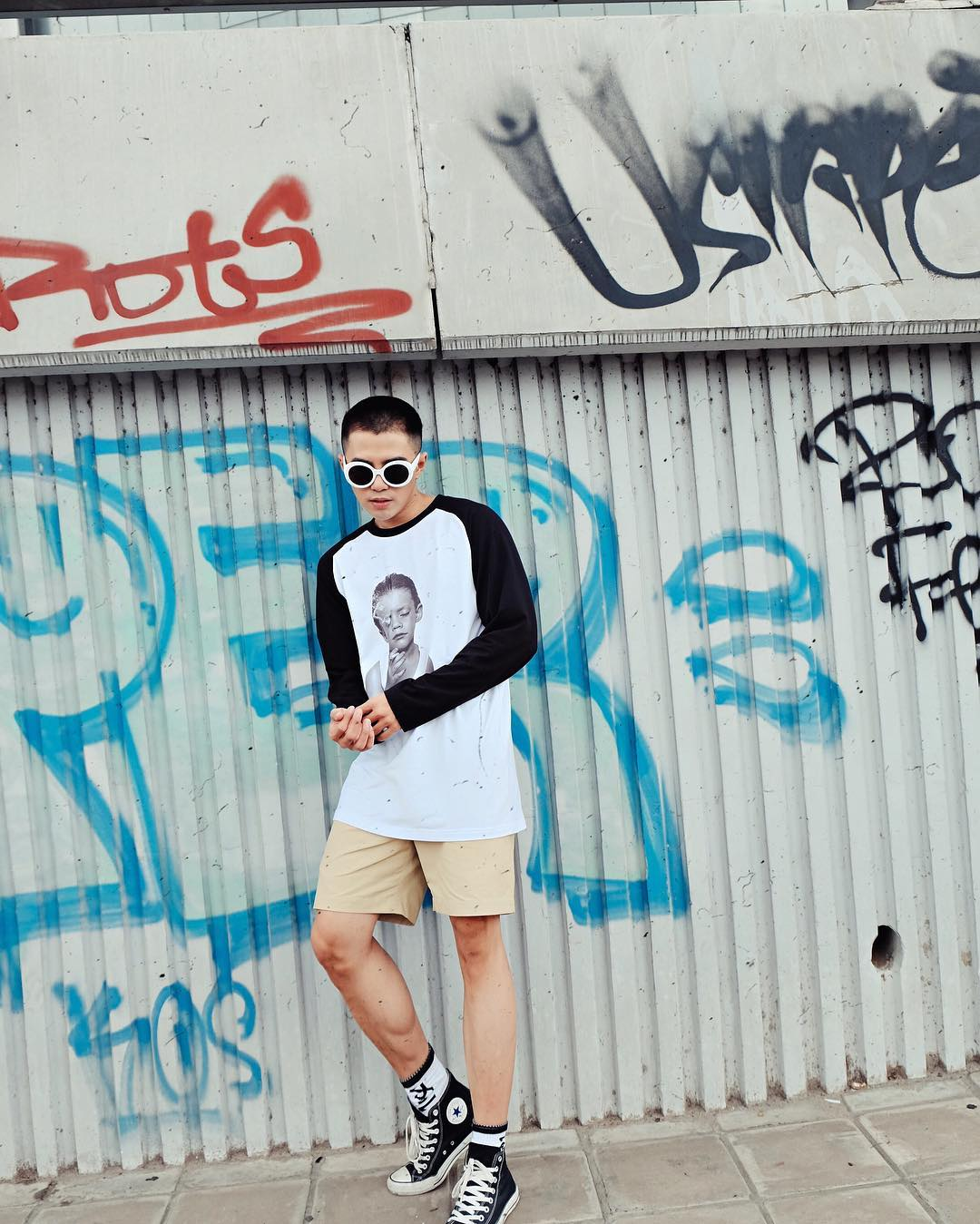 Phối áo thun nam dài tay cùng quần short
