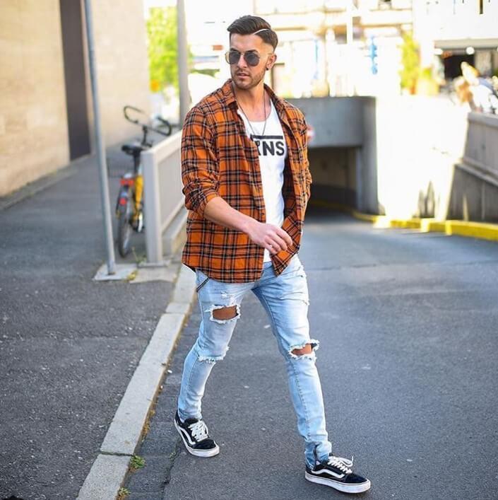 Top 7 áo nam phối cùng với quần jeans rách Top-7-ao-nam-phoi-cung-voi-quan-jeans-rach-tao-phong-cach-dan-choi