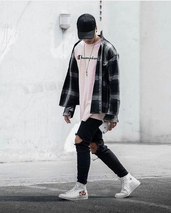 Áo phông + Quần jeans rách gối + Áo flannel