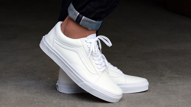 giày màu trắng cho nam