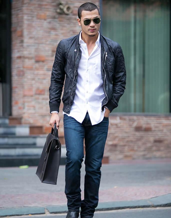 Áo da mặc cùng Quần jean xanh hoặc xanh đen