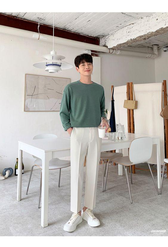 Áo pull phối quần kaki trắng